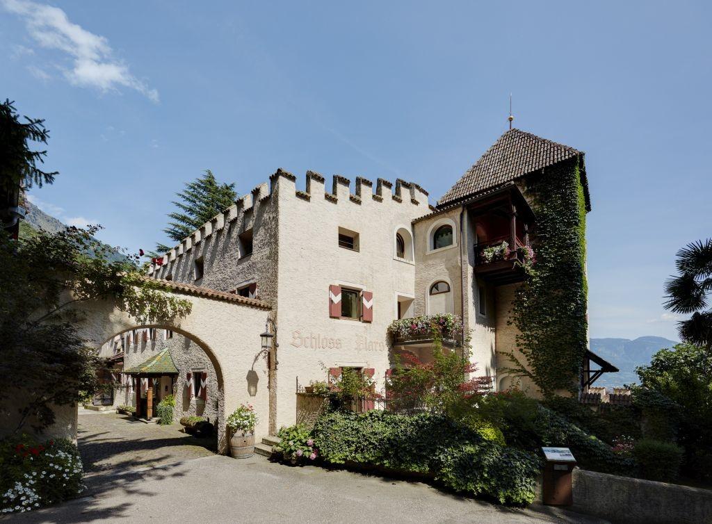 Dormire in un castello in Alto Adige: tra favole e paesaggi ...