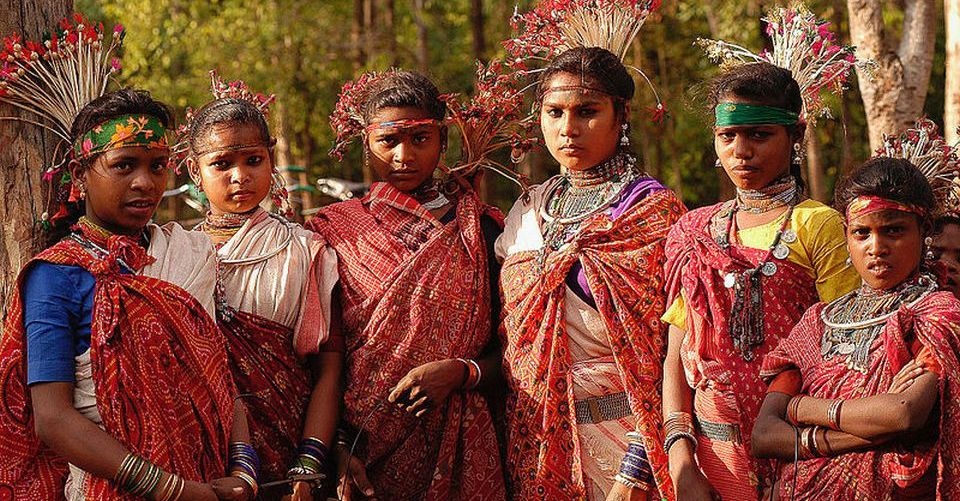 Young_Baiga_women,_India