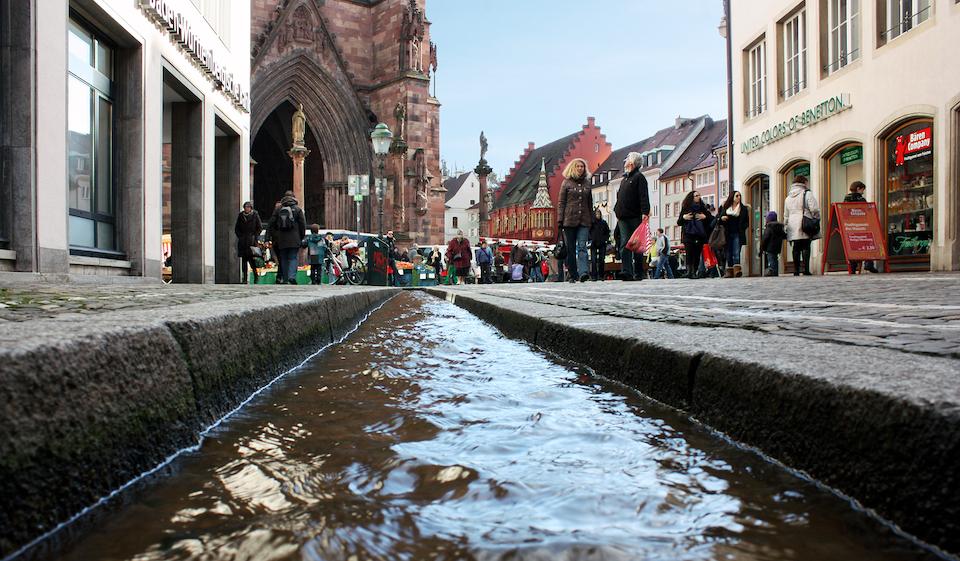 Bächle (Münsterplatz))